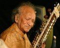 _mini_sitar_player_ravi_shankar_web.png