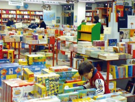 Scaffale Libri Per Bambini : Nuova libreria per bambini e ragazzi genova mammamogliedonna