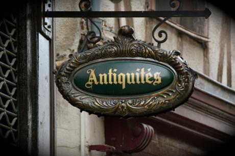 antiques 3697989 960 720